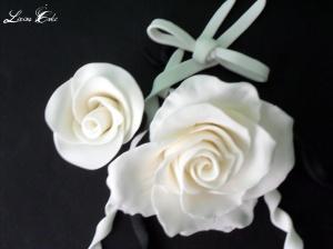 Flores y lazos